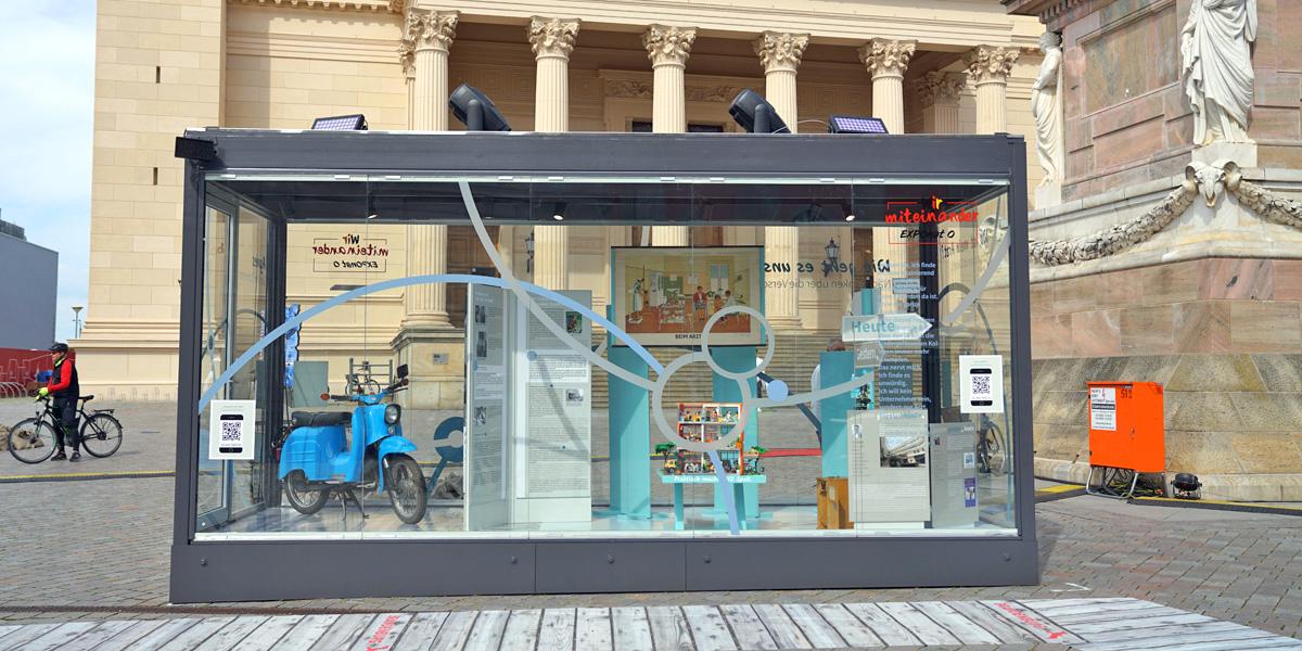 Einheitsjubilaeum Ausstellung 30 Jahre Gesundheitswesen